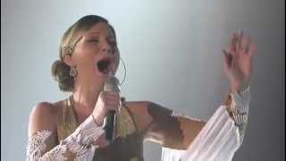 Jennifer Nettles & John Glosson - How Great Thou Art