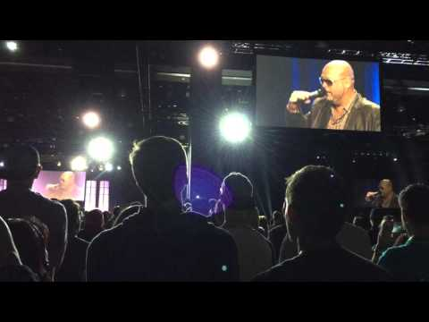 LIVE Pitbull Concert @ Tony Robbins - Unleash the Power within UPW - Explicit