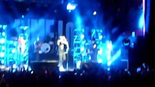 All Time Low - Dear Maria - ALEX GOES CROWD SURFING