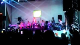 Yildiz Tilbe dans Kuşadası JADE club