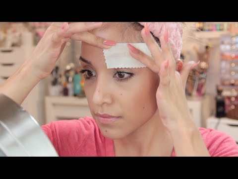 How I Wax My Eyebrows at Home (EASY) - YouTube