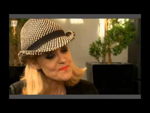 Lowri-Ann Richards on S4C's HENO talks Ed Fringe & 'LaLa Shockette'