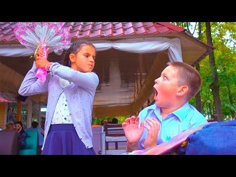 Рома ПРИГЛАСИЛ Дашу на СВИДАНИЕ! Друг РОМЫ УКРАЛ ДЕНЬГИ Любовь kids children