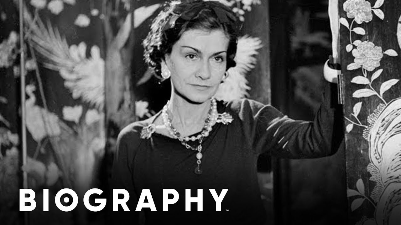 Coco Chanel French Fashion Designer Businesswoman Mini Bio Bio Youtube
