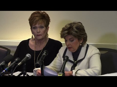 Accuser: Expert Says Moore Signed Yearbook