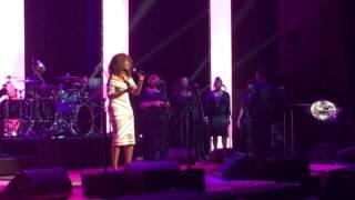 "Yolanda Adams Sings ""Unbreak My Heart"" in Tribute to Toni Braxton at BMI Awards"