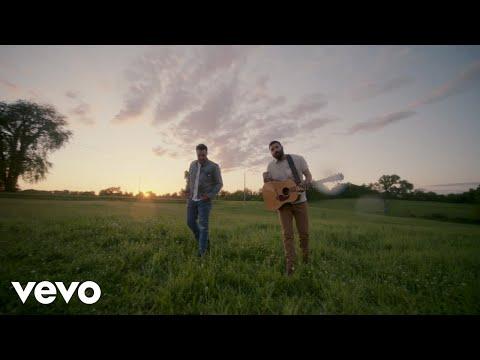 Смотреть клип Jordan Davis Ft. Luke Bryan - Buy Dirt