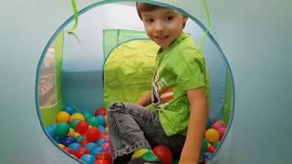 Marco Beautiful boy kids video plays with Balls Baby songs Марко играет с Шариками
