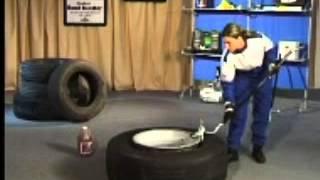 Ручной шиномонтаж грузовых колес 12880 Е Gaither bead saver system(, 2013-09-12T11:28:05.000Z)