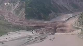 Mudslide Blocks Crossing Between Tajikistan and Kyrgyzstan