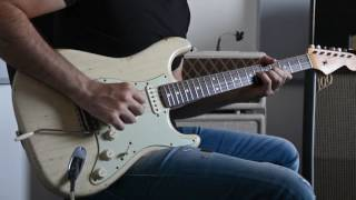 the clean tone of a fender stratocaster and vox ac30