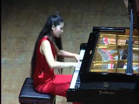 Recital di Yoko Kikuchi - Teatro Fenaroli - EMF Lanciano 2012.avi