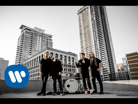 Смотреть клип Shinedown - Attention Attention