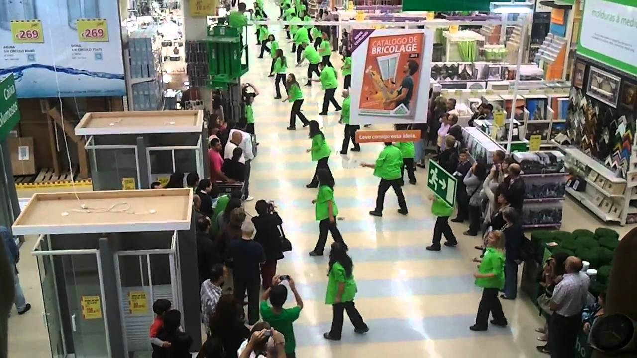 Flash mob leroy merlin almada youtube - Flash leroy merlin ...