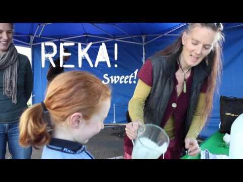 2016 Te Wiki Te reo Maori Food truck   HD 720p