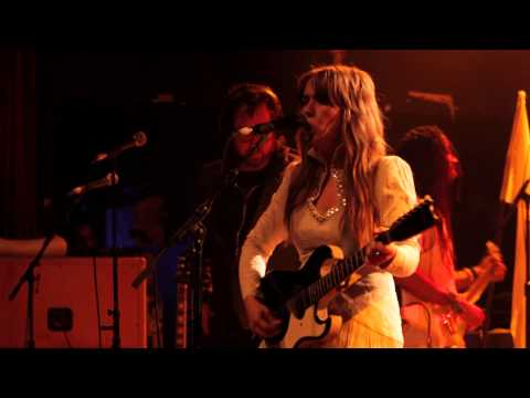 Serena Ryder Feat. Kevin Drew | Stompa