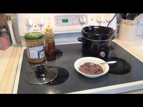 Crock Pot Steel Cut Oatmeal with Berries