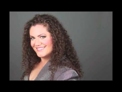 "Christina Carr, dramatic mezzo-soprano sings ""Mon coeur s'ouvre à ta voix"""