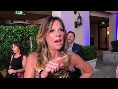 Mo Collins ('F is for Family') chats on 2017 Emmy nominee performer reception red carpet
