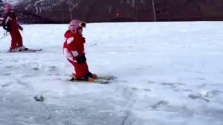 Empezar a esquiar con 3 años. Con que edad deberian empezar a esquiar los niños? Www.desdetres.com