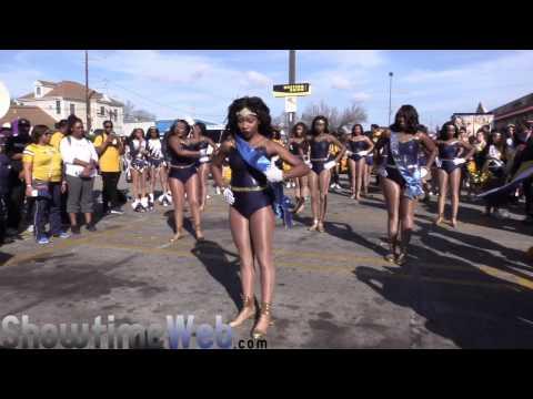 East St. John vs L.W Higgins High Marching Band - 2017 Mardi Gras Parade