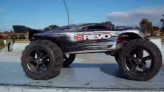 Traxxas E-Revo RC Car doing stunts and jumps at Epping Skate Park - AWESOME