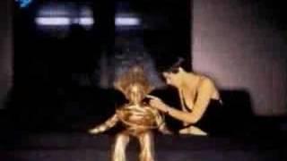 Смотреть клип Crowded House - Instinct