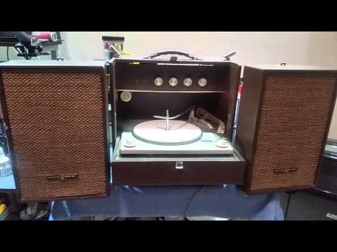 Voice of Music 3594 Record Player Cant Play album, copyright Bull