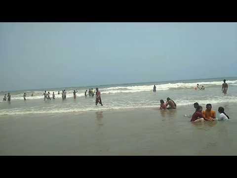 Hot bath girl and boy Puri beach masti romance