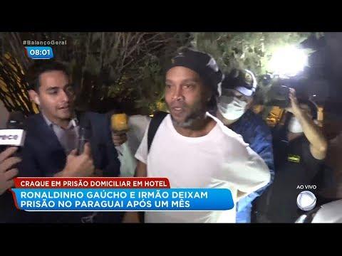 Ronaldinho Gaúcho deixa prisão no Paraguai
