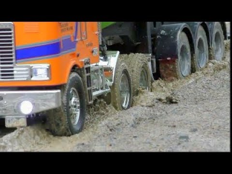 HEAVY RC MACHINES WORK IN THE MUD! COOL RC RESCUE ACTION AT THE SLUSH! NICE RC ACTION & COOL MODELS
