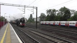 60163 TORNADO and BARRY AT HARROW & WEALDSTONE