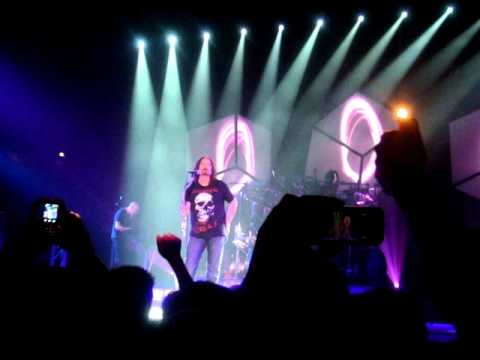 Dream Theater - Surrounded (Intro) @ Helsinki 23.01.2012