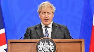 video: Coronavirus latest news: Boris Johnson warns we 'can't delude ourselves Covid has gone away'