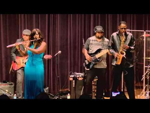 """Althea Rene Performs """"Ladies Nite Out"""" (LIVE)"""