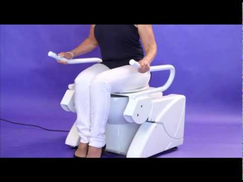 aufstehhilfe elektrische setz und aufstehhilfe f r die toilettenbenutzung youtube. Black Bedroom Furniture Sets. Home Design Ideas