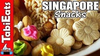 Japanese Try Singapore Snacks for the First Time (Food Haul)
