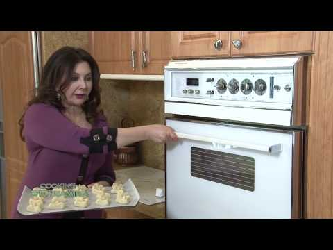 cooking with samira # 129 خبز عروق، سلطة البرغل وجبنة الفيتا، شكرلمة