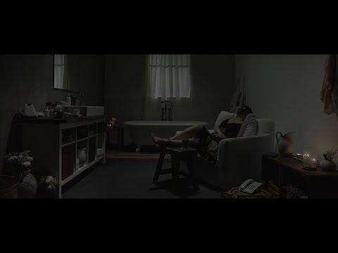 Kay Tse 謝安琪 - 《一個女人和浴室》 MV