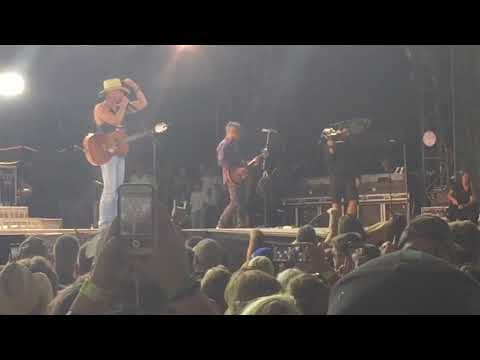 "Kenny Chesney ""Boston"" 8-25-2017 Foxboro (Gillette Stadium)"