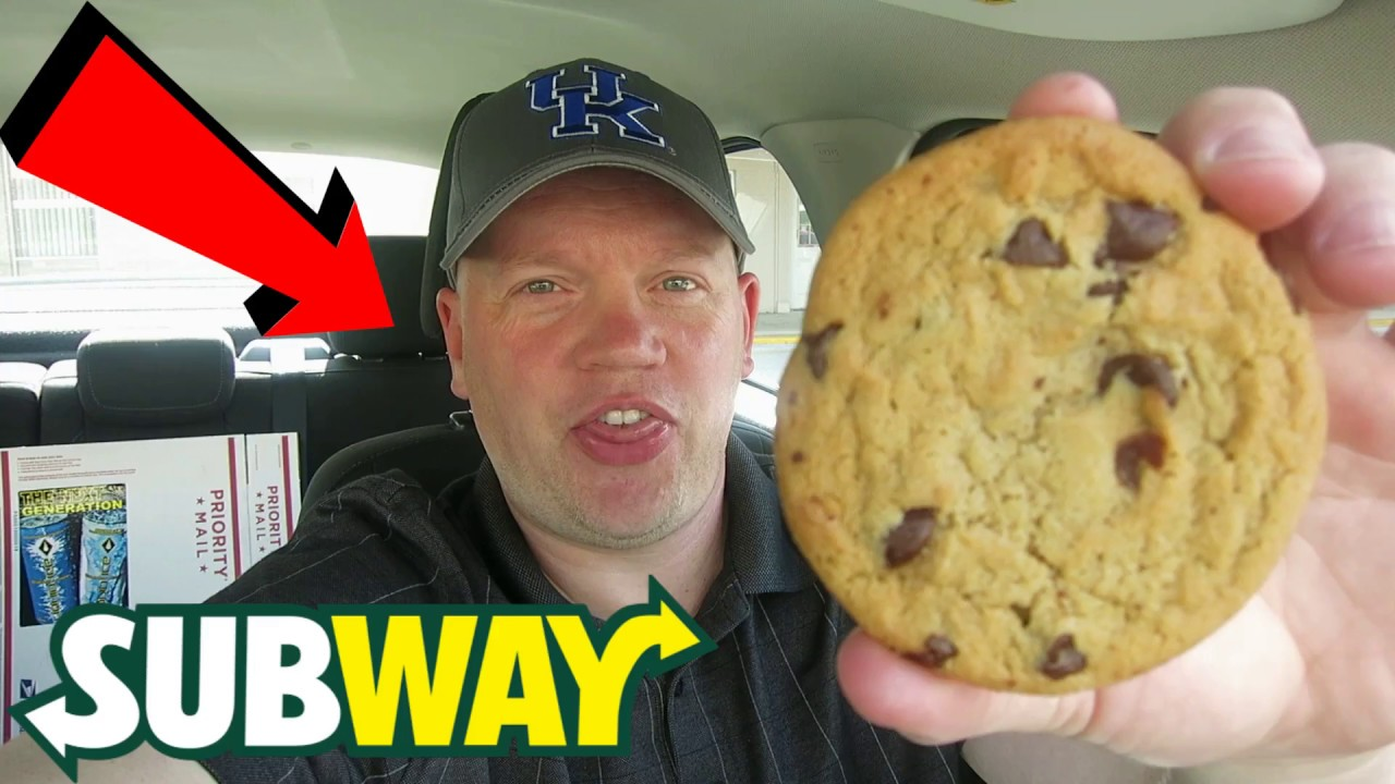 Reed Reviews Subway Chocolate Chip Cookie Youtube