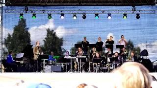 Soul Bossa Nova - UMO jazz orchestra