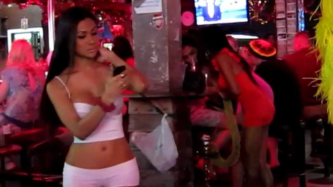 Ladyboys Thaïlande Walking Street Pattaya 2013 - Youtube-2223