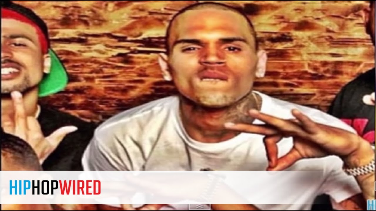 Chris brown throws up gang signs youtube chris brown throws up gang signs biocorpaavc
