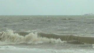 Пострадавшим от стихии кубанцам окажут финансовую поддержку(В крае продолжают устранять последствия стихии – ураганного ветра и дождя. Погода в регионе немного улучши..., 2014-09-25T11:10:24.000Z)