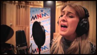mnm1000 jong talent axeela zingt i m outta love