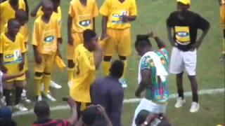 Adebayor vs Asamoah Gyan (DANCE)