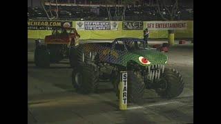 Gunslinger vs Reptoid Monster Jam World Finals Racing Round 1 2000