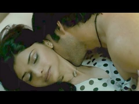 Once Upon A Time In Mumbaai Emraan Hashmi And Prachi Desai Bold Bed Scene Youtube On Repeat