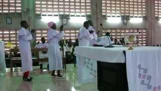 Eucharistie congolais. S Ignace Parroisee. Cité Verte. RD Congo
